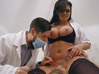 Brunette milf with huge tits, Candy Sexton, removes her uniform to shake cock between the tits and pussy in a complete hardcore at the hospital