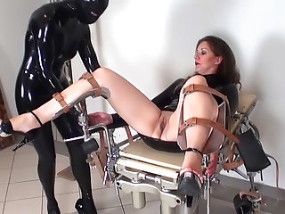 Stunning lesbian Jana Puff is humiliating her nice looking submissive girlfriend in latex