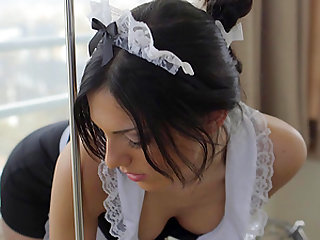 Sexy maid Cecilia De Lys spreads her legs for a huge plac dick