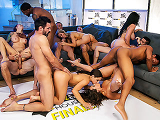 Brazzers – Brazzers House 2 Finale