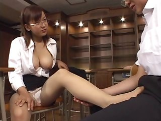 Japanese office girls shows her tits while stroking her boss
