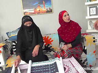 Muslims @ Porn Grand !
