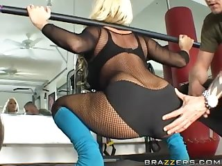Tighting Up Holly Halston's Big Ass With Anal Sex
