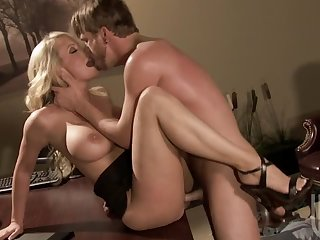 Beautiful Blonde MILF Stormy Daniels Gets Facialized In High Heels