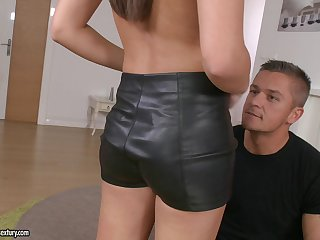 Carla hires a guy to fix her car and fuck her pussy