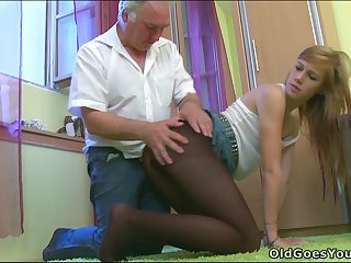 Hot emo chick Sindy prefers smelly old man cock!